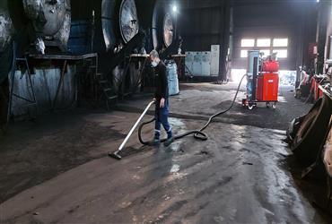 Karbon karası tozu vakumlu endüstriyel süpürge  makinası